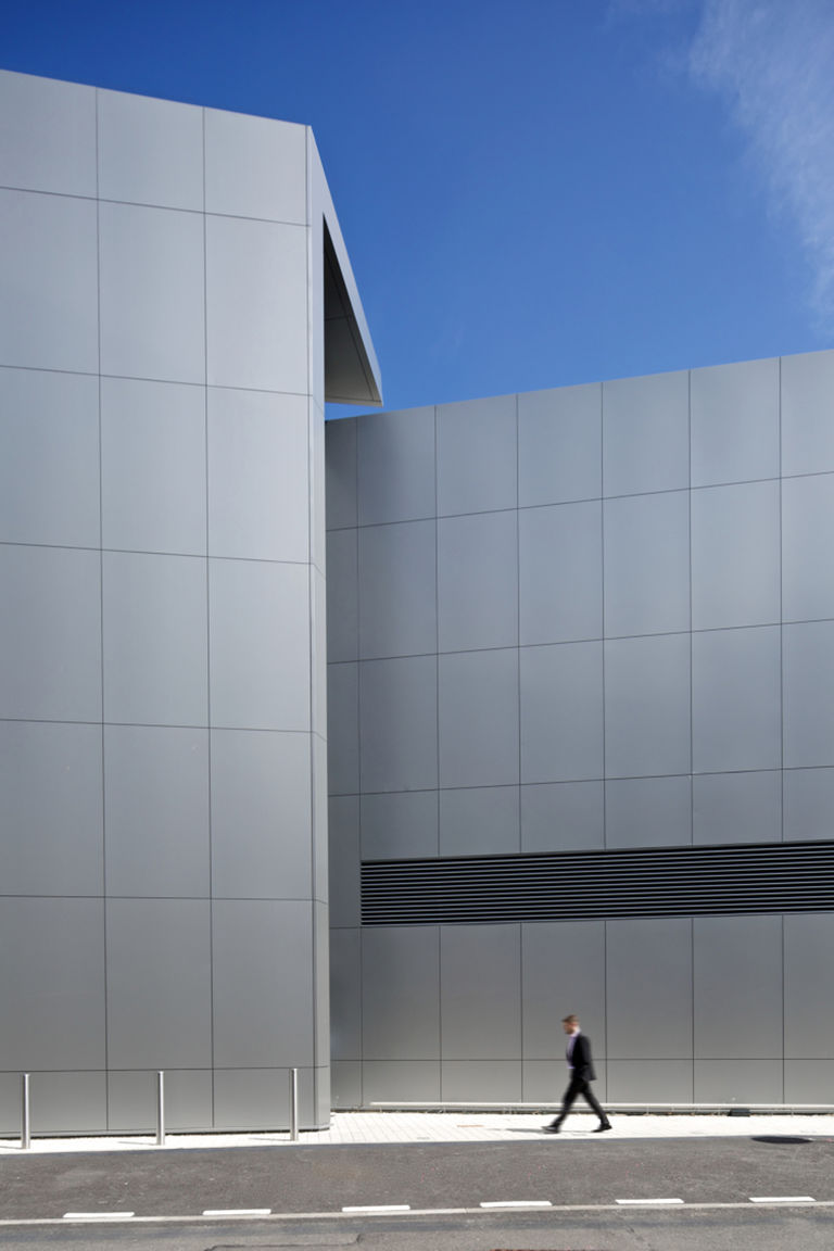 External façade detail at BP's Upstream Learning Centre at their Sunbury campus, designed by Broadway Malyan.