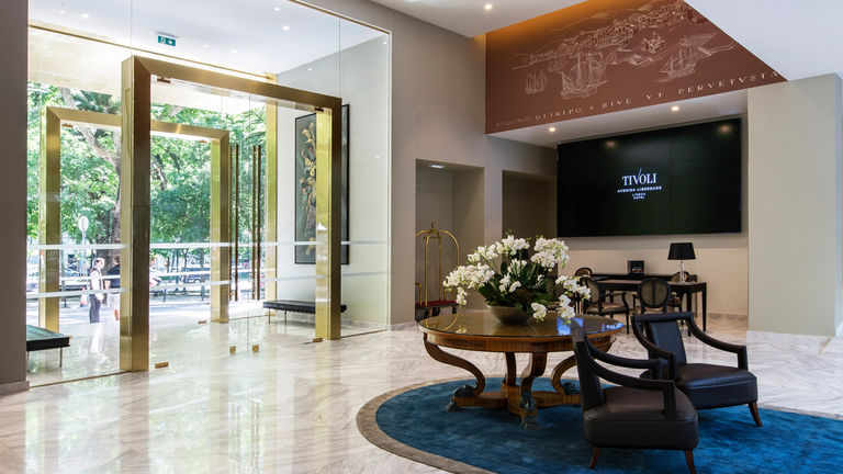 Arrival space at hotel Tivoli Avenida Liberdade in Lisbon, redesigned by Broadway Malyan.